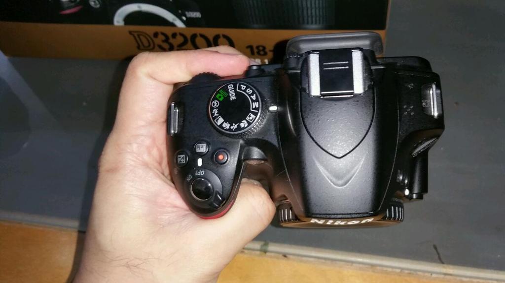 Nikon D3200 DSLR 24 mega pixel + bag +18-55 lens