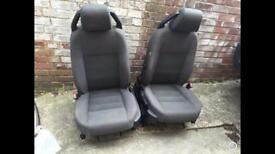 Land Rover discovery front seats £50 pair