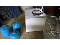 Coleman camping fridge with gas bottles