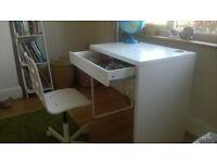 Ikea white Micke desk 20£