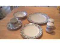 Dinner set of Jardin vintage stoneware