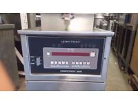 CHICKEN SHOP TAKEAWAY HENNY PENNY PRESSURE FRYER COMPUTRON 8000 SOUTHER FRIED CHICKEN FASTFOOD