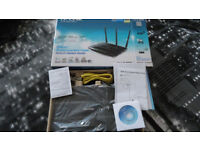 TP Link ADSL Wireless router. Model TD-W 8980 (new)