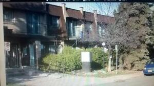 Dorval Cloverdale circle 5 1/2