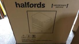 Halfords bottom box
