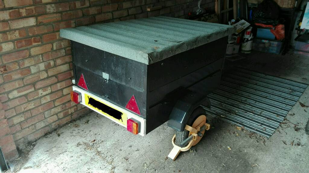 Trailer used, approx 3.5 x 2.5ft