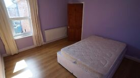 Nice Double Room in Charminster