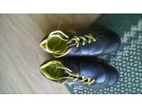Football boots size 2G Blades