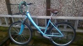 ladies Raleigh Voyager bike