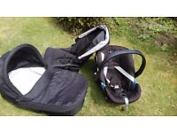 Mama's and Papa's Pushchair and carrycot + car seat (zoom)
