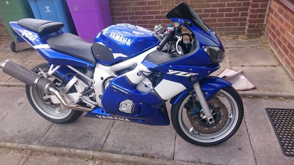 Yamaha r6 not Honda Kawasaki Suzuki