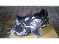 Running Shoes, New Balance 240, Size 7