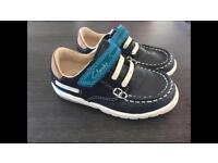 Clarks boys shoes size 6.5G
