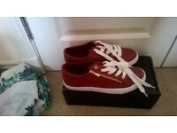 Ladies Trainers , NEW, Size 7