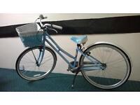 "Victoria Pendleton Littleton Junior girls bike. 14"" Frame ."