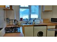 1 bedroom flat in Taylor Green, Acton London, W3 (1 bed)