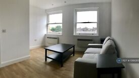 1 bedroom flat in St Johns Hill, London, SW11 (1 bed) (#1066265)