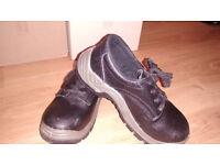 Arco Essentials Safety Shoe (size 5)