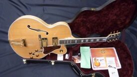2005 Gibson Custom Shop Byrdland in Natural inc Gibson Hard Case