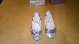"""Clarks Size 13 Girls Shoes, """"Dance Glam"""" Silver sparkly"""