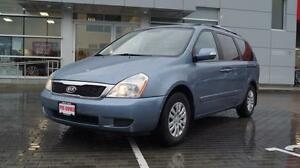 2011 Kia Sedona LX with extra set of snow tires