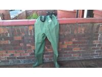 NEW UNUSED CHEST WADERS SIZE 8
