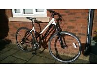 Specialized Ariel 2010. Womens Large Hybrid. RRP £450. Alloy Frame, Front Lock out Suspension.