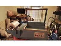 UNIVRE commercial sealing and cutting shrink wrapping machine