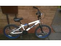 White/blue BMX suit age 5-8 years approx new handgrips size 20 inch