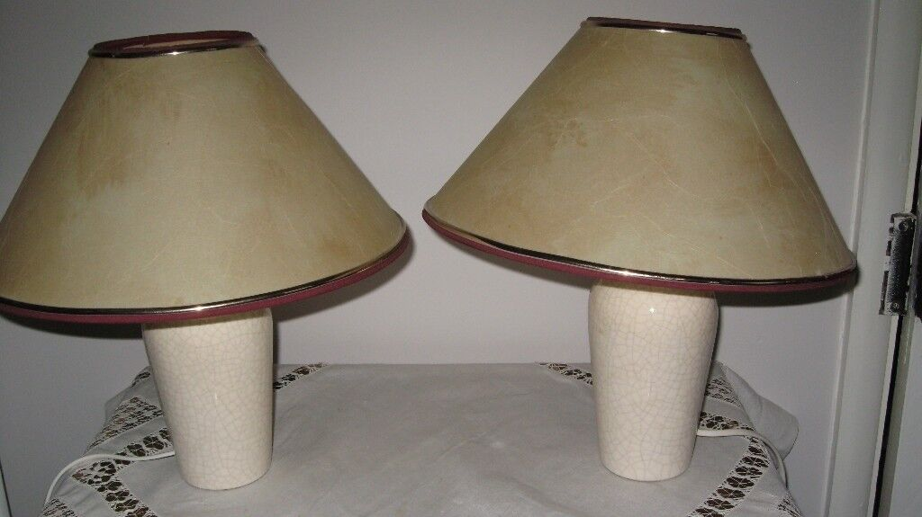 2 bedside lamps with matching shades and bulbs