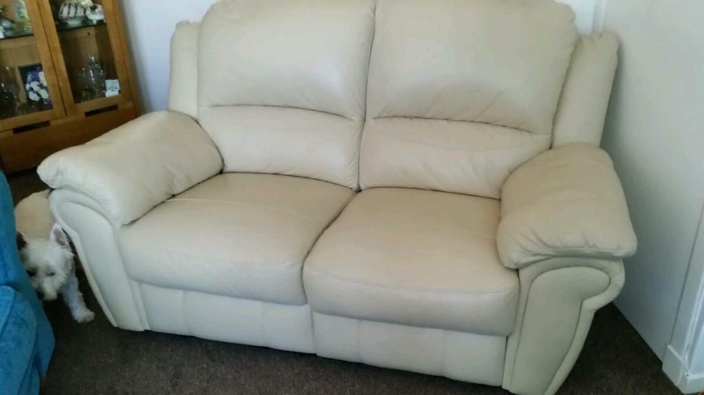 2 Str Cream Recliner Sofa In Southside Glasgow Gumtree