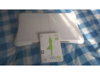 WII FIT BOARD (WHITE) WITH WII FIT GAME