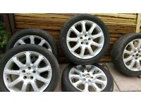 Set of Land Rover alloy wheels