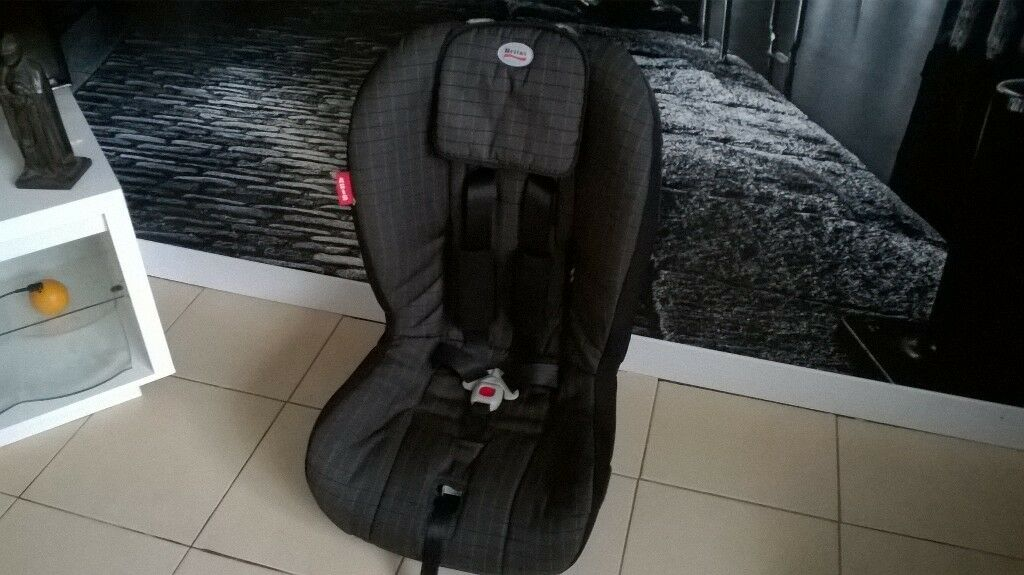 CLEAN BRITAX CAR SEAT SUITABLE FOR 9 MONTHS