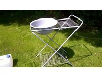 folding washing up stand for awnings
