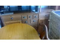 very large set of pine draws