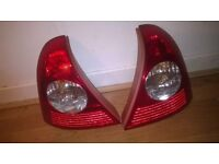 £10 back standerd lights for a 2001 clio
