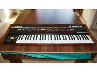 Roland Juno 6 in very good condition w. cobra soft case.
