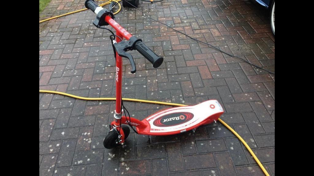 Razor E100 Electric Scooter Cost Over 100 In East Kilbride