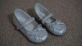 Monsoon Girl White Shoe Brand New Size 6