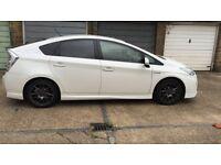 Toyota prius 2011 Anniversary Model White with PCO Low Mileage *QUICK SALE*