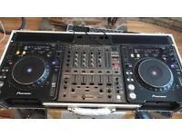 Pioneer CDJ 1000 + DJM 600 PLUS FLIGHTCASE AND LEADS