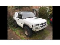 2000 Isuzu trooper turbo diesel 4x4 /off road runs and drives