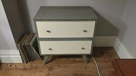 RETRO / MID CENTURY / VINTAGE CHEST OF DRAWERS - £20.00