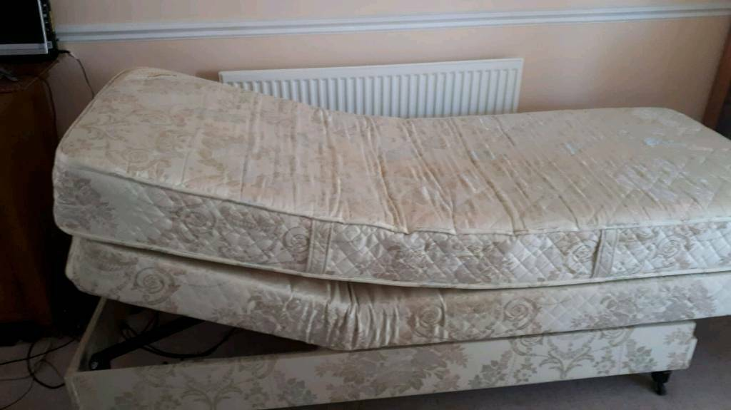 Awesome Adjustamatic Massage Marlborough Bed With Remote In Portsmouth Hampshire Gumtree Beatyapartments Chair Design Images Beatyapartmentscom