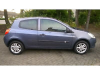 Renault CLIO 1.2 with service history 1 former keeper 2 keys