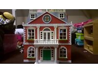 Sylvanian families mansion and large collection of figures and furniture / acsessories