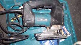 makita circular saw and jigsaw 230v