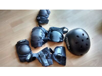 Skateboards Helmet and protectors with bag
