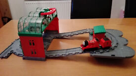 Thomas Take n' Play Knapford Station (incl. James engine) - COLLECTION ONLY, HERTFORD TOWN
